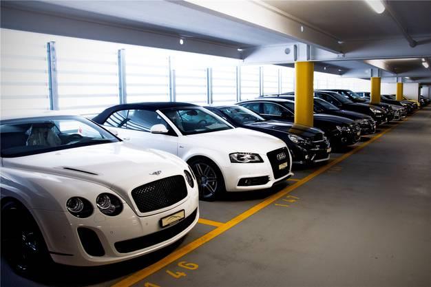 Mai 2012: Diese Fahrzeuge aus SAR-Leasingpleite kommen unter den Hammer.