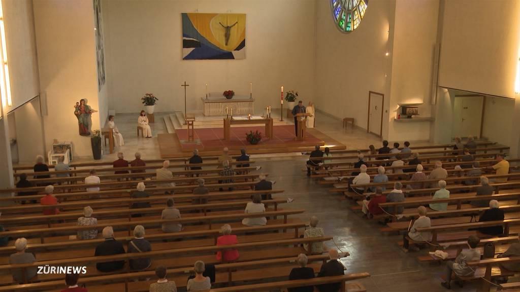 Kirchen feiern erste Gottesdienste nach dem Lockdown