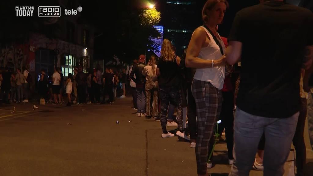 Ob in Luzern oder Zürich: Leute zeigen sich in Partylaune