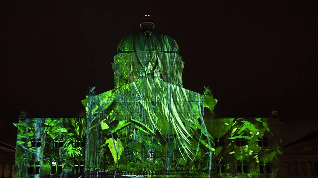 Lichtspektakel am Bundeshaus in Bern nach Corona-Pause zurück