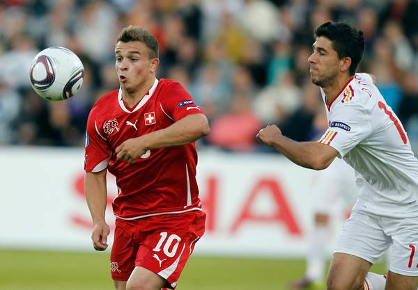 Xherdan Shaqiri (links) im Final der U21-EM 2011 gegen Dídac Vilà.