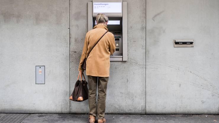 Die Lebenserwartung steigt - und damit auch die Zahl der Rentner. Und nun setzt auch die Coronakrise der AHV noch zu.