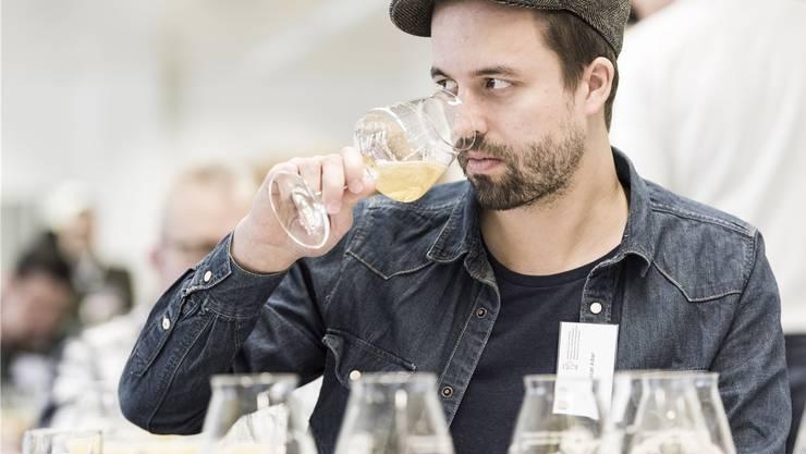An der Schweizer Meisterschaft der Bier-Sommeliers holte sich Marcel Alber den zweiten RangTobias Stahel Photography