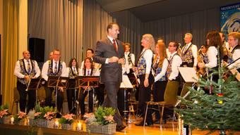 Marcel Hunn mit dem Musikverein Tägerig.