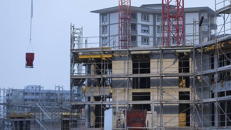 Immobilienpreise haben im vierten Quartal wieder leicht angezogen. (Archiv)