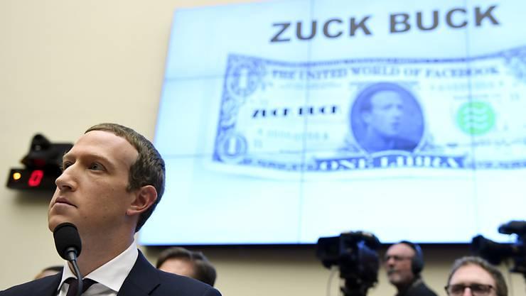 Facebook-Chef Mark Zuckerberg musste sich im Oktober im US-Kongress kristischen Fragen zur geplanten Kryptowährung Libra stellen. Nun hat die Libra-Stiftung in Genf eine weitere Gesellschaft gegründet. (Archivbild)