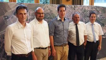 Die CVP hielt eine Podiumsdiskussion in Riehen zum Thema «Das grosse grüne Dorf – wie lange noch?». Von links nach rechts: Thomas Grossenbacher, Andreas Zappalà, Patrick Huber, Eduard Rutschmann und Daniel Albietz.