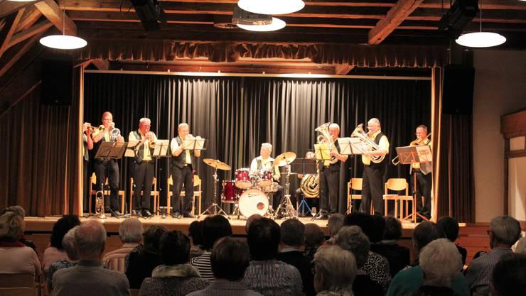 Die Blasmusikgruppe «Buuremusig Schlieren» formierte sich 1956 und hat im Stürmeierhuus ein Probelokal