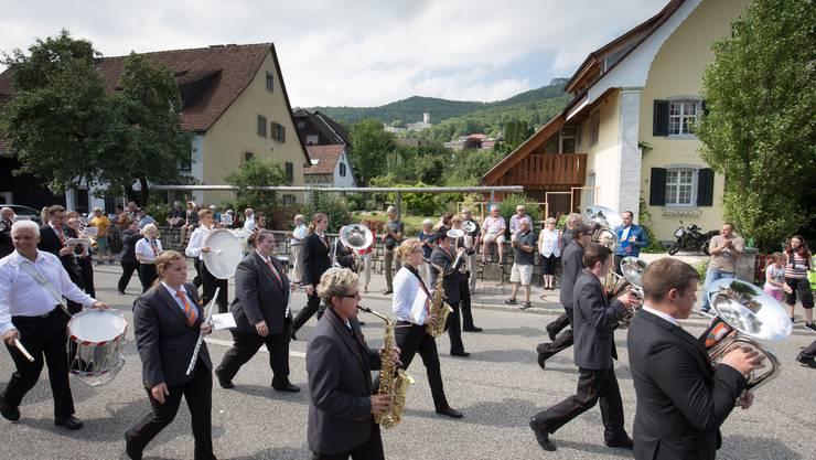 Parademusik der MG Gunzgen Balsthal unter der Leitung von Marcel Heutschi