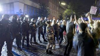 Um Krawalle wie am G20-Gipfel zu verhindern, fordern deutsche Politiker eine Extremistendatei. (Archiv)