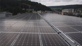 Die Photovoltaikanlagen der Regionalwerke AG auf dem Parkhaus Gartenstrasse.