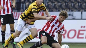 Mardassi (links) im Duell mit 1:0-Torschütze Llorente