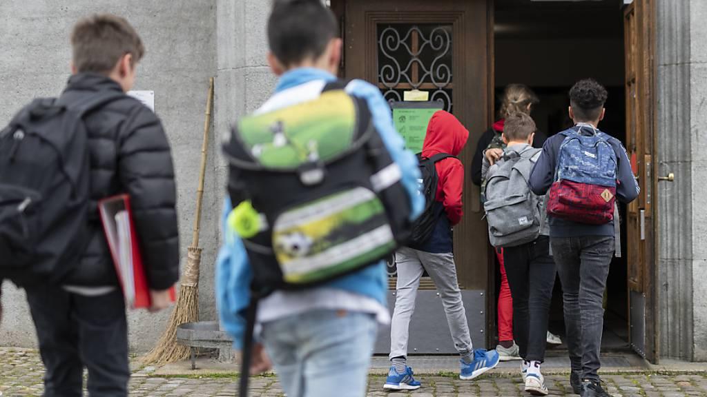 Flickenteppich bei Maskentragpflicht in nachobligatorischen Schulen