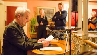 Walter Küng liest im Hotel Atrium Blume aus dem Badenfahrt-Buch.