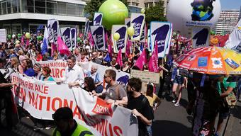 Grossdemonstrationen gegen Nationalismus und für Europa: Tausende Menschen haben am Sonntag in deutschen Städten, wie hier in Berlin, für Europa und gegen Rechtsextremismus demonstriert.
