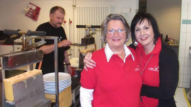Kurze Pause für Mutter und Tochter Ursula und Sonja Klöti während dem Serviceeinsatz