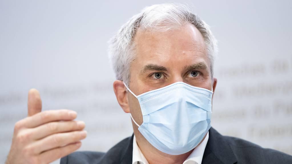 Der scheidende Präsident der Covid-19-Task-Force des Bundes, Martin Ackermann, zieht eine gemischte Bilanz nach eineinhalb Jahren Corona-Pandemie. (Archivbild)
