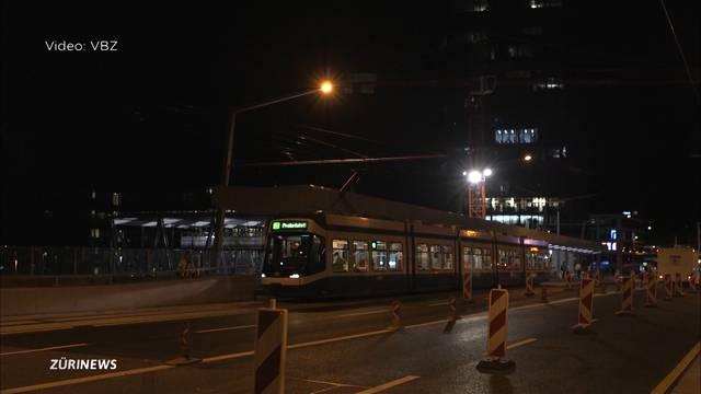 So schlängelt sich das Tram 8 über die Hardbrücke