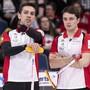 Skip Peter De Cruz (links) und Benoît Schwarz fanden im Match gegen Norwegen gute Lösungen