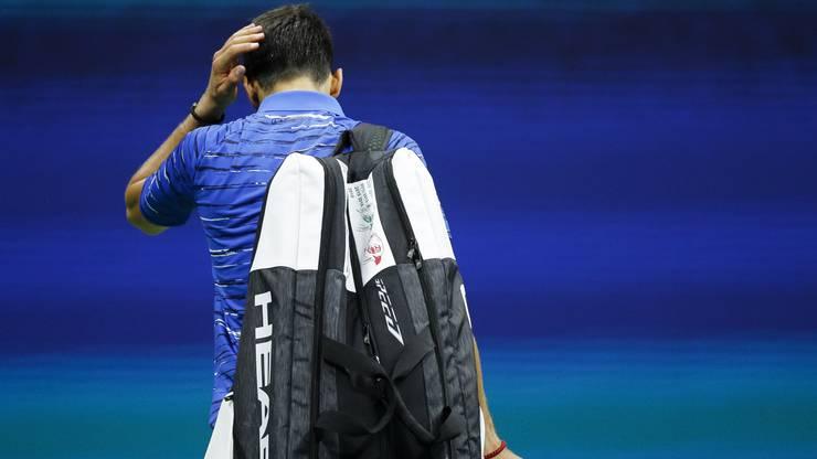 Novak Djokovic wird nach der Aufgabe gegen Wawrinka vom Publikum ausgebuht.