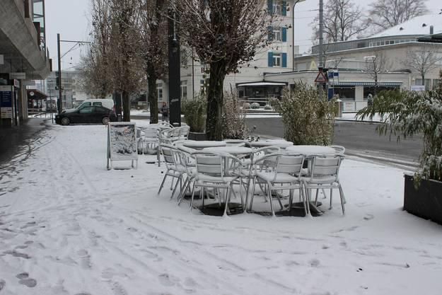 Ganz Dietikon ist mit einer Schneeschicht bedeckt