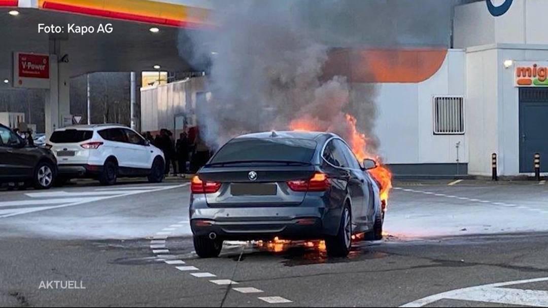 Autobrand in Würenlos: Tankstellen-Personal war sofort zur Stelle