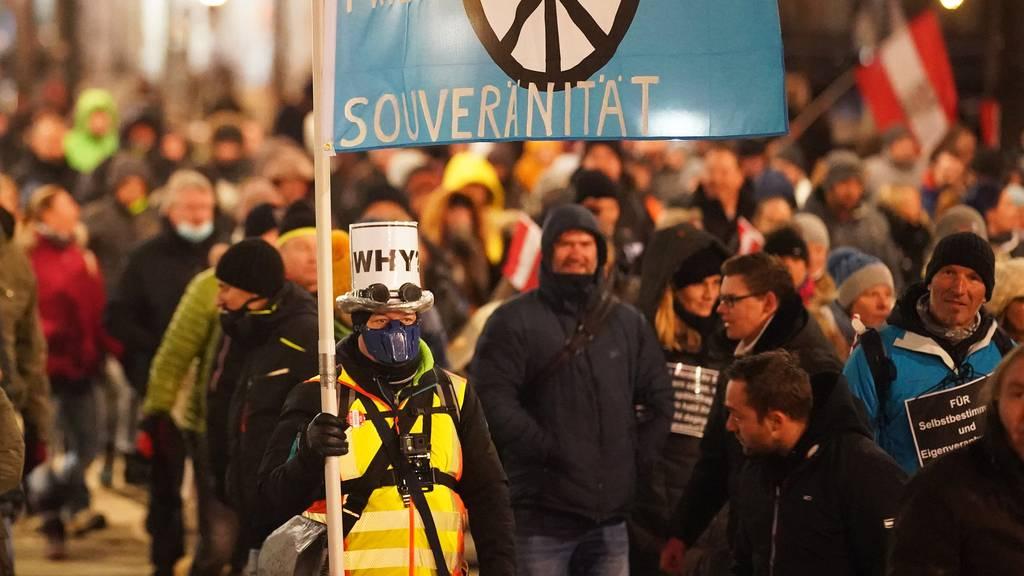 10'000 demonstrieren in Wien gegen Corona-Massnahmen