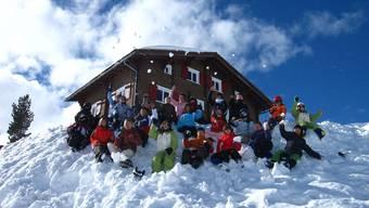 Spass im Schnee: Ab kommender Woche reisen Fricktaler Schüler in die Berge ins Schneesportlager. (Archiv)