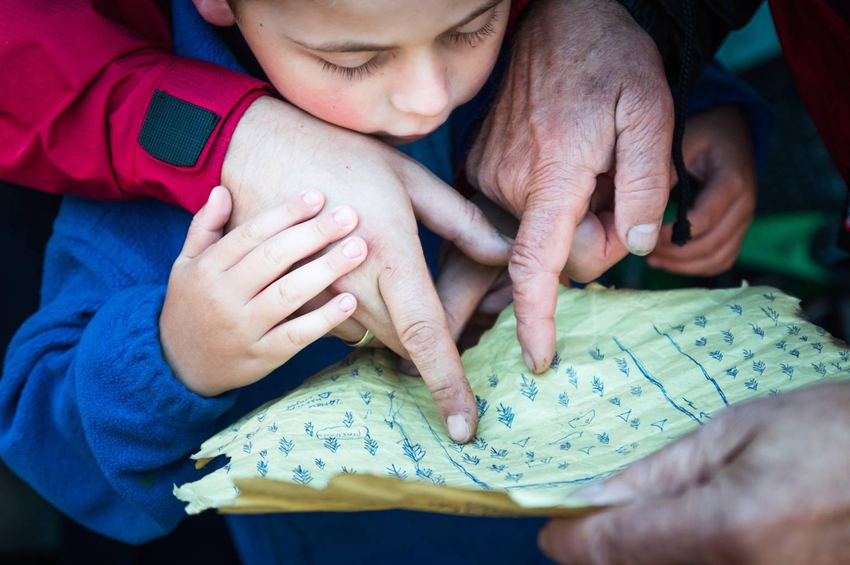 Familien können sich mit eigens gezeichneten Schatzkarten auf die Spur vergangener Schätze machen. (Symbolbild: iStock)