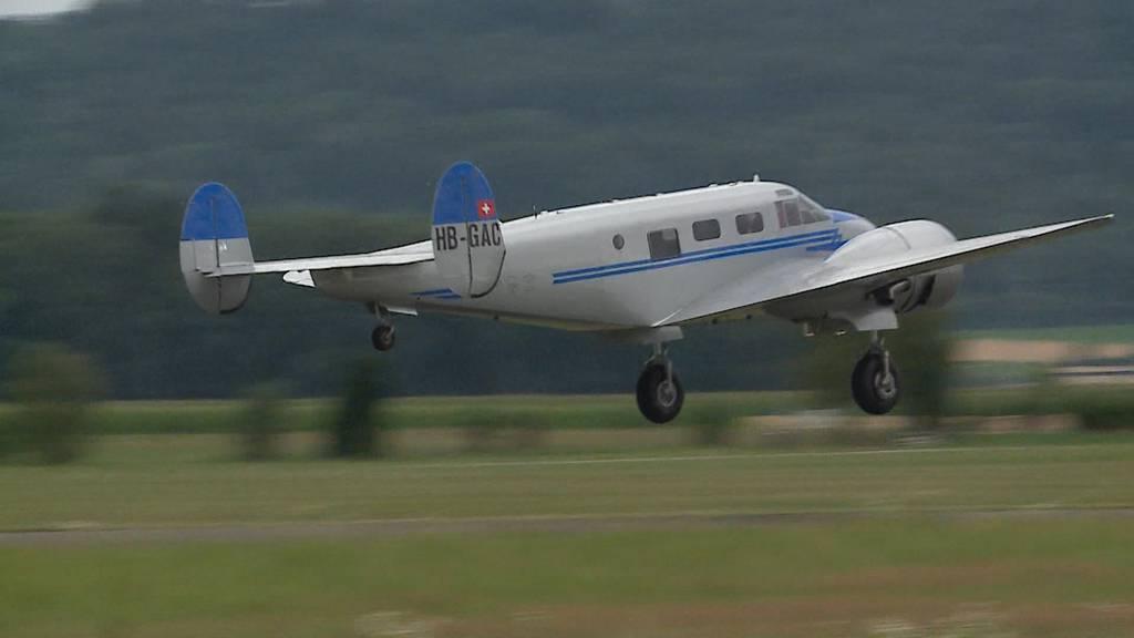 Oldtimer-Flugzeug repariert: Erster Take-Off nach 40 Jahren Pause