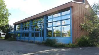 Die Schulanlage von Drei Höfe befindet sich im Dorfteil Heinrichswil.