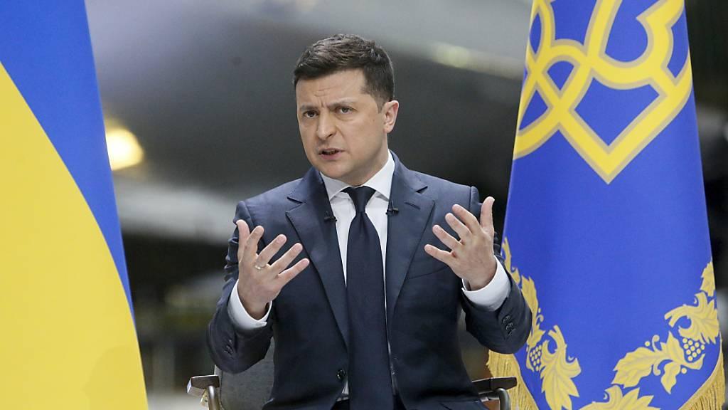 Selenskyj wünscht deutsche Rüstungsgüter für die Ukraine