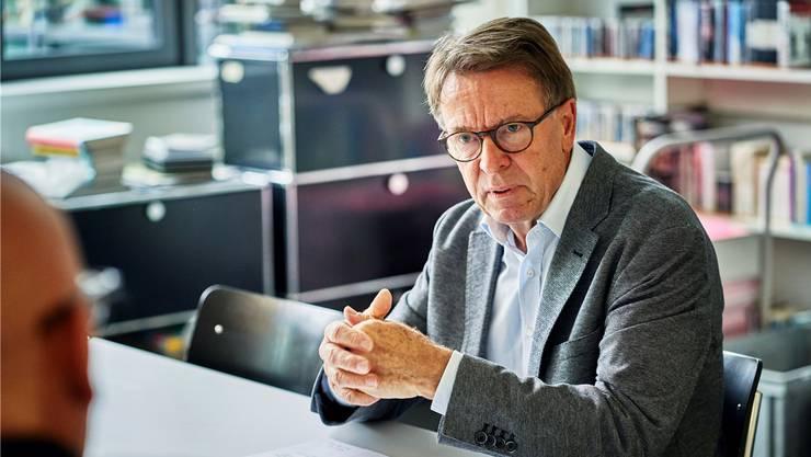 Rolf Keller, Präsident des Aargauer Kuratoriums, hat auf Ende Jahr seinen Rücktritt bekannt gegeben.