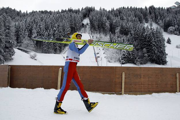 Der Schweizer Skispringer Andreas Kuettel waehrend dem FIS Continental Cup Ski Jumping 2010 in Engelberg.