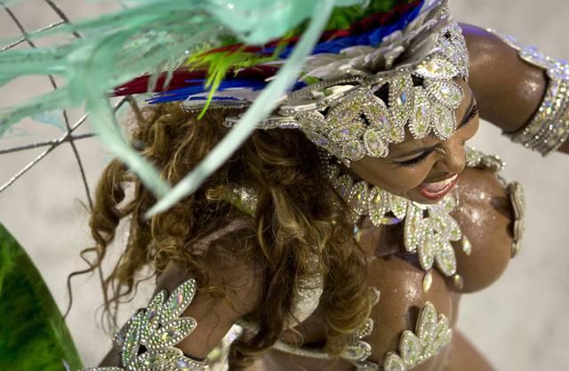 brasilianischer eingeborener mädchen nackt