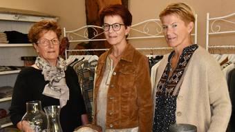 Gaby Küng (Mitte) mit ihrer Schwester Claudia Brun (rechts) und Mitarbeiterin Lisbeth Hoppler.