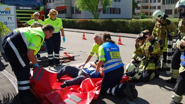 Dabei kam unter anderem die selbst entwickelte Rettungsmatratze zum Einsatz.