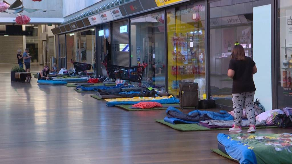 Camping im Einkaufszentrum: 30 Kinder übernachteten im Shoppi Tivoli
