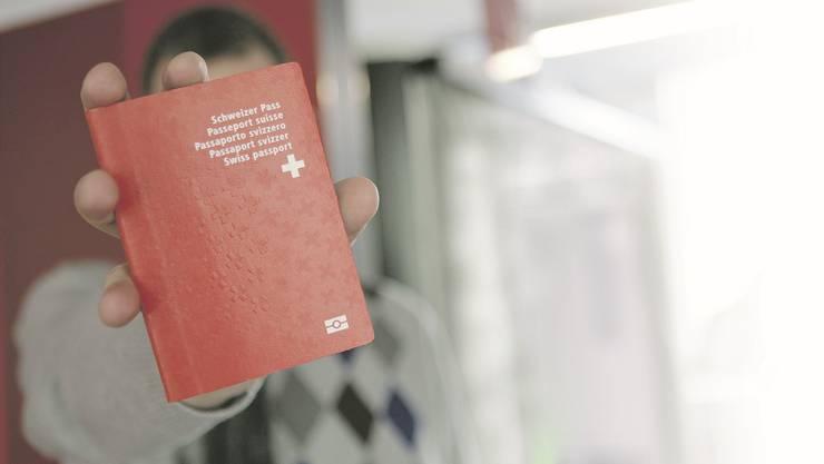Die strengeren Bestimmungen verschärfen auch die Vorschriften für die Einbürgerung von Ausländern. (Symbolbild)