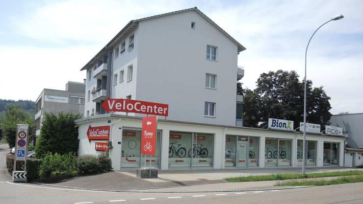 28. Mai 2018: Einbrecher verschaffen sich nachts auf der Gebäuderückseite von Velo Füchter in Rheinfelden Zutritt ins Lager. Die Beute hat einen Wert von 100'000 Franken.