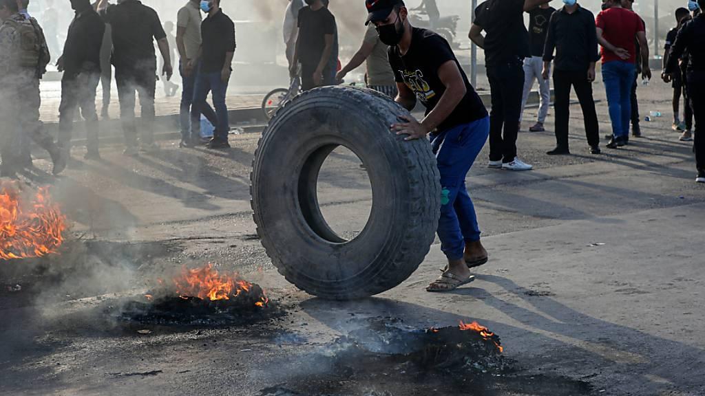 Hunderte protestieren im Irak gegen Wahlergebnis
