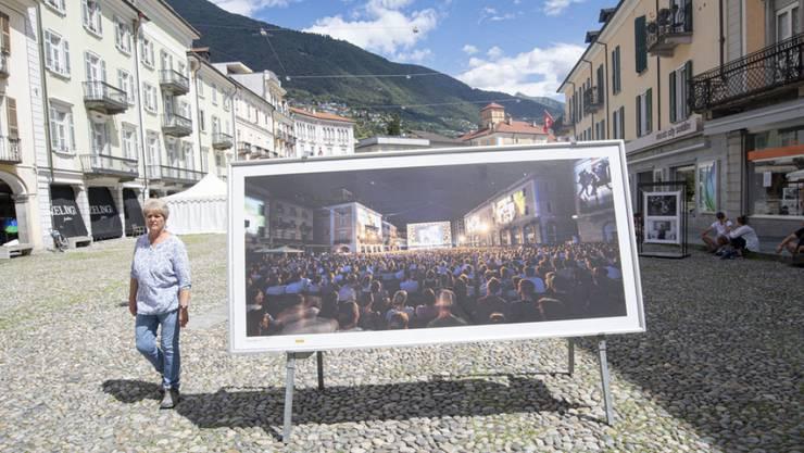 Beim Locarno Filmfestival 2020 blieb die Piazza Grande. Leoparden gehen dieses Jahr an zwei Filmemacherinnen, Lucrecia Martel aus Argentinien und Mari Alessandrini aus der Schweiz - und damit an Filmprojekte, die wegen der Coronakirse unterbrochen werden mussten.