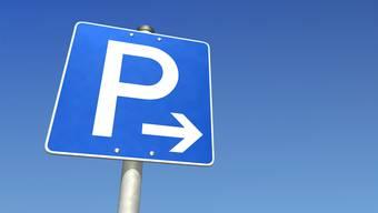 Parkieren soll in Baden künftig in allen Quartieren kosten. (Symbolbild)