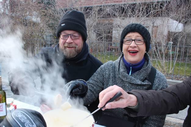 Markus und Patricia Peter geniessen das Fondue.