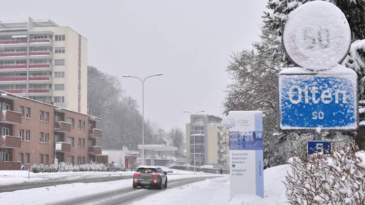 Ortseinfahrt Olten - der Winter lässt grüssen.