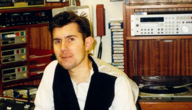 Daniel Buser 1992 als junger Mitarbeiter bei Radio Raurach.