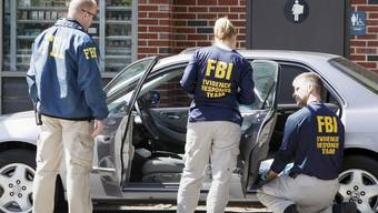 FBI-Agenten nahmen am Freitag in Kalifornien einen Bombenattentäter fest, der einen Sprengsatz in einem Auto zünden wollte (Symbolbild)