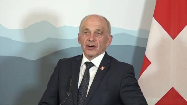 Ueli Maurer nimmt Stellung zum Überschuss in der Rechnung des Bundes