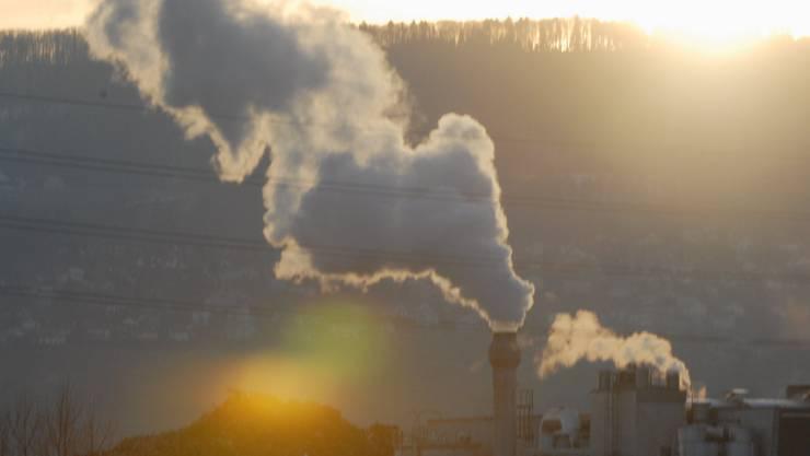 «Während der zweiten Heizperiode wurden 8 Prozent weniger Kilowattstunden Energie verkauft. Diese Tatsache lässt sich aber auf den milden Winter 2013/14 zurückführen.» Enrico Ravasio, Geschäftsführer des Nahwärmeverbundes Deitingen