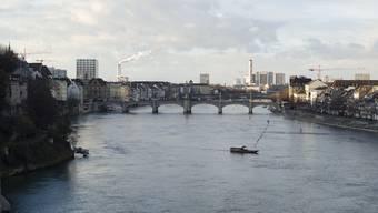 Ein Rollstuhlfahrer ist heute im Rhein ertrunken. (Symbolbild)